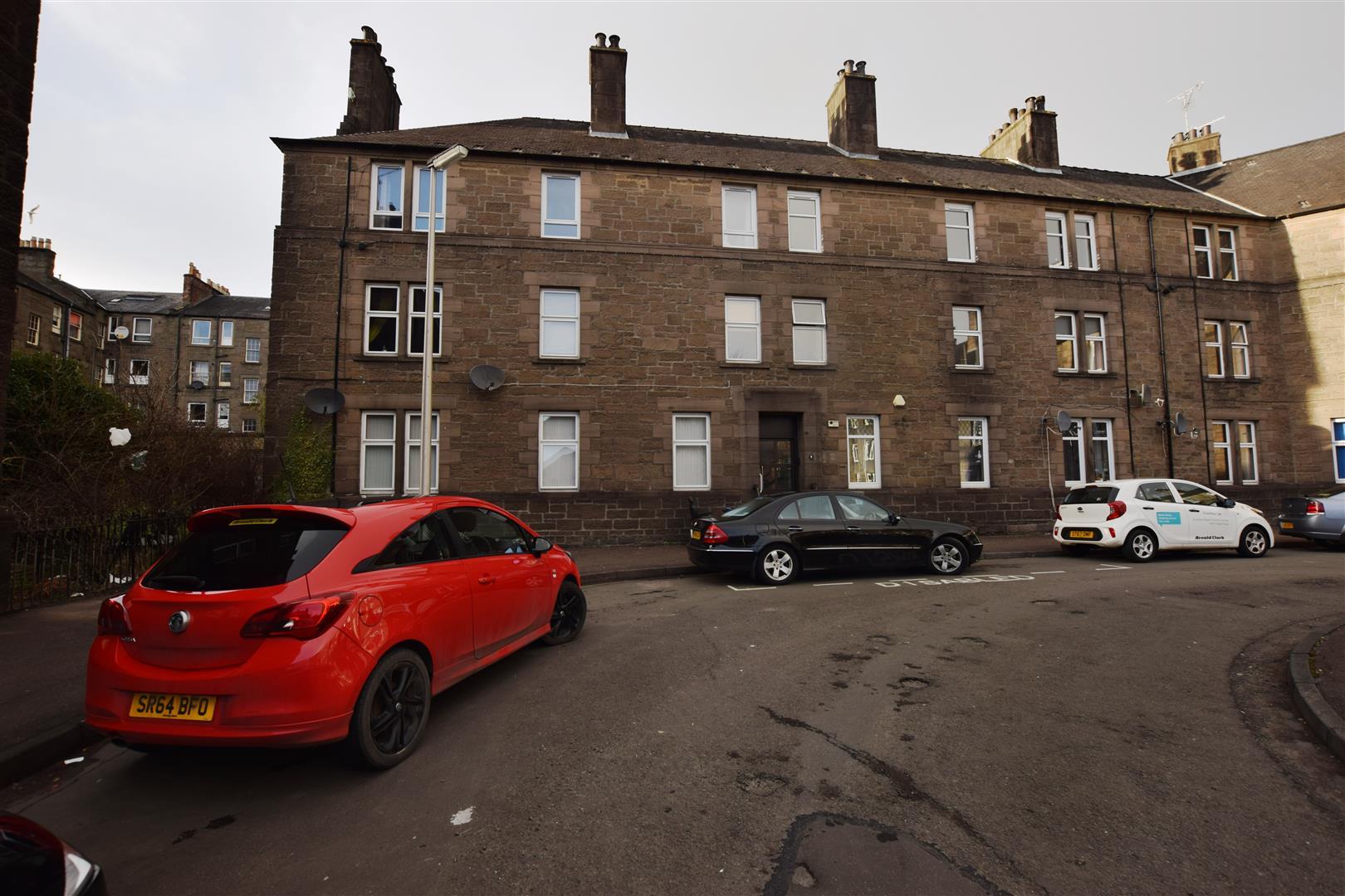 2/L, 9, Morgan Place, Dundee, Angus, DD4 6NA, UK